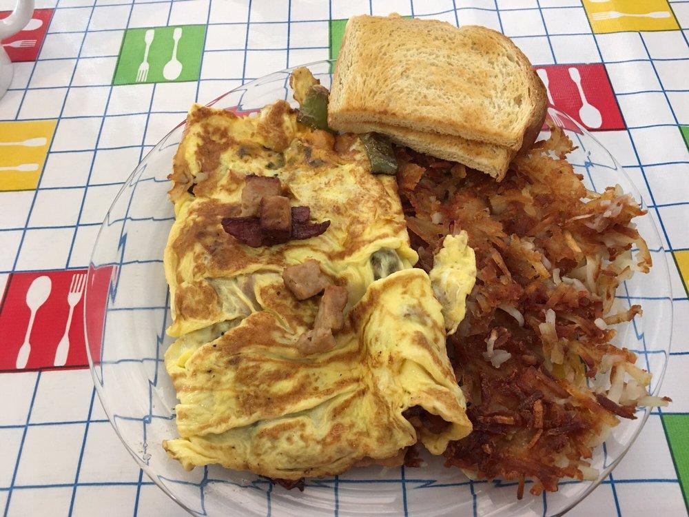 Pantry Cafe: 238 E State St, Mossyrock, WA