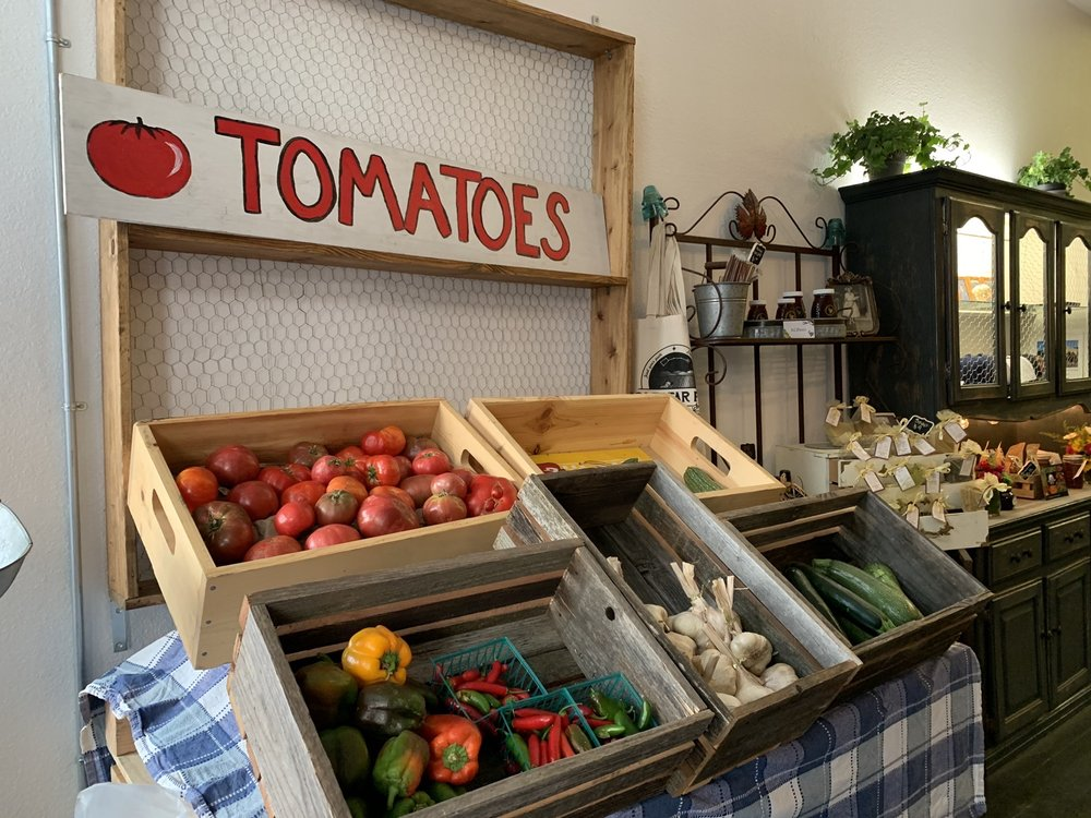 Lucy's Cafe & Farm Pantry: 16850 Yolo Ave, Esparto, CA