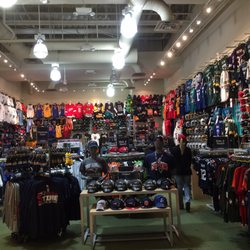 Lids Locker Room - Sports Wear - 3663 Las Vegas Blvd S, The Strip ...