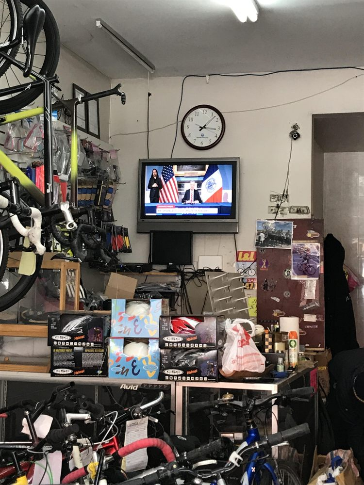 L&L Cycles: 58 New York Ave, Brooklyn, NY