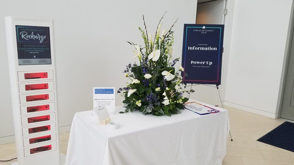 Palace Florists: 4980 Wyaconda Rd, Rockville, MD