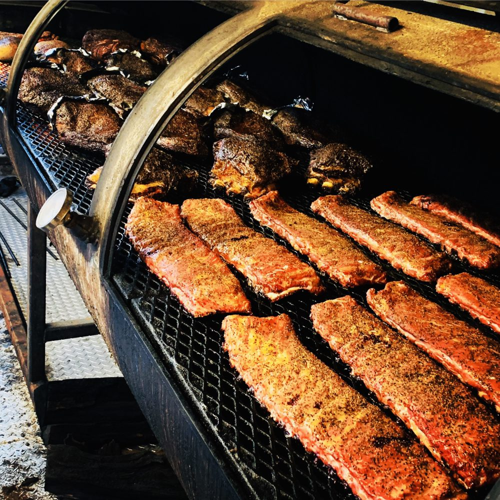 Botto's BBQ: 2204 NW Roosevelt, Portland, OR