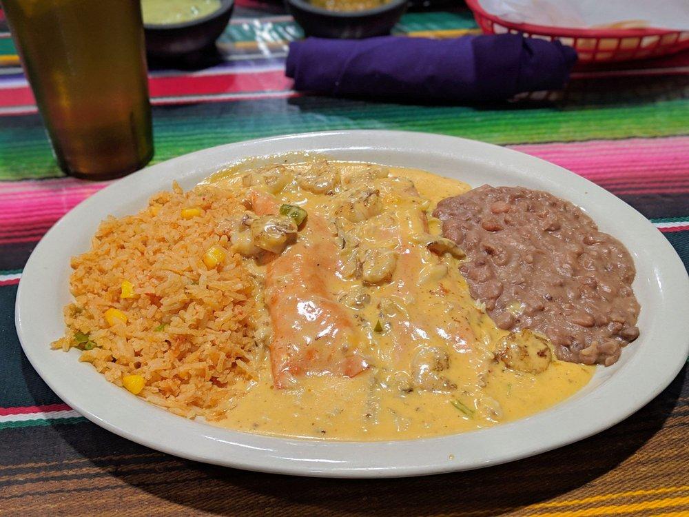 Las Cocinas: 766 State Hwy 95, Bastrop, TX