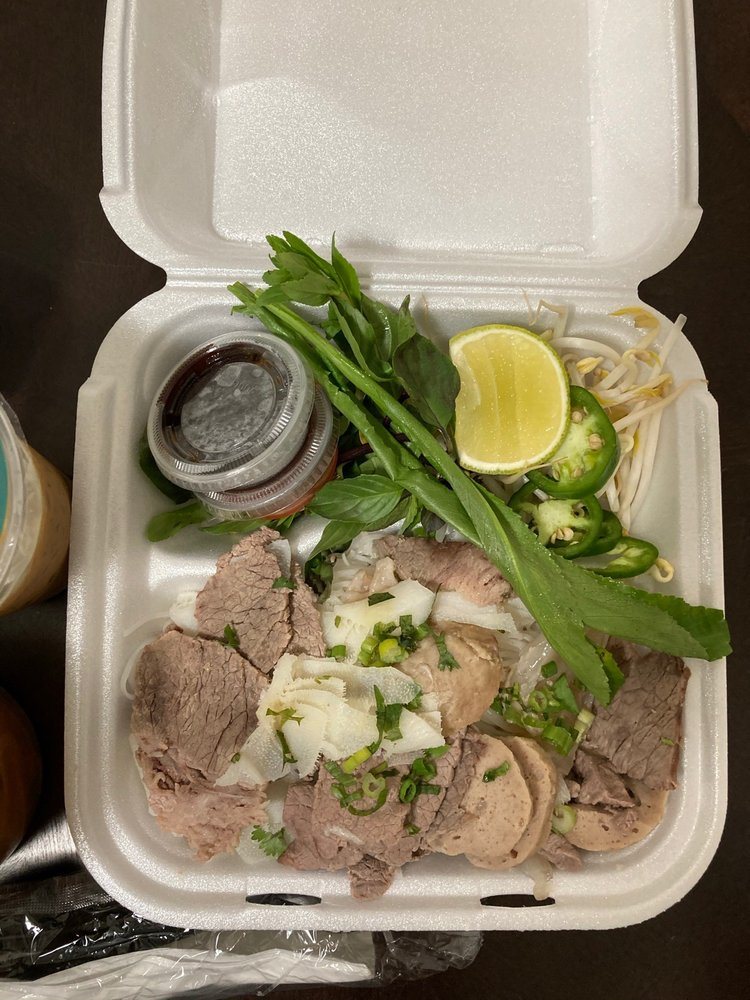 Pho Restaurant Authentic Vietnamese: 674 N Pontiac Trl, Walled Lake, MI