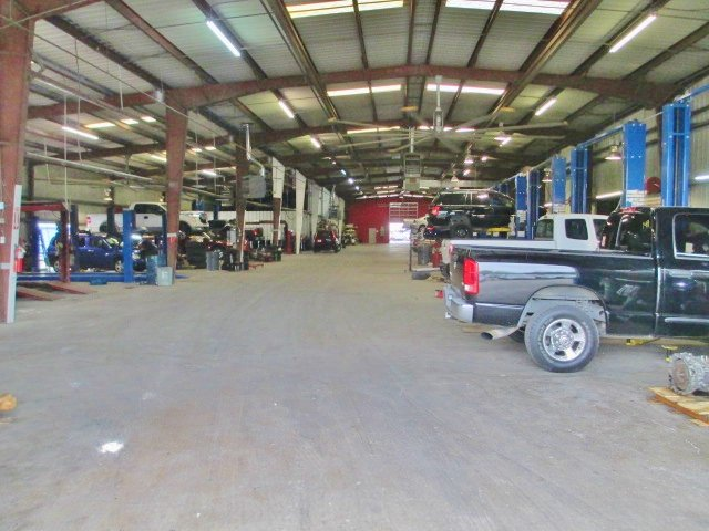 Cransh Auto Sales 13 Photos Car Dealers 3100 W