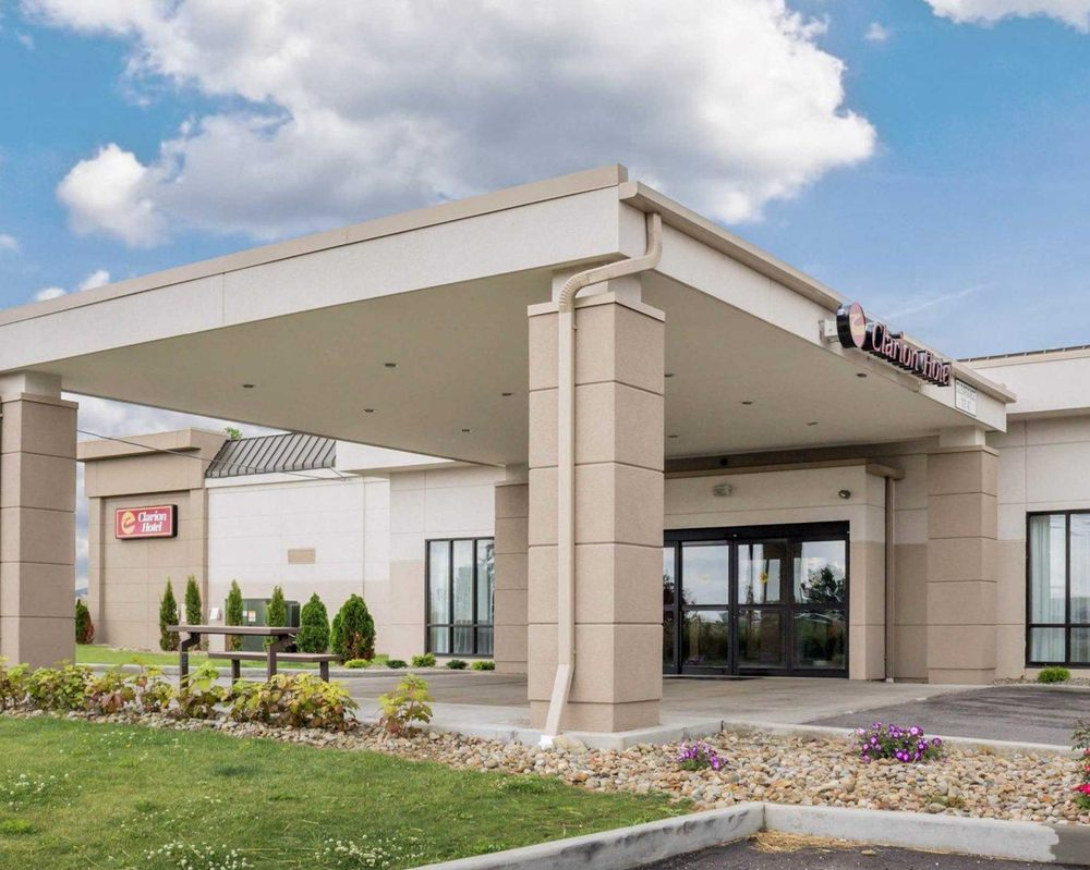 Clarion Hotel 21 Photos 18 Reviews Hotels 26300 Chagrin Blvd Beachwood Oh Phone Number Last Updated December 17 2018 Yelp