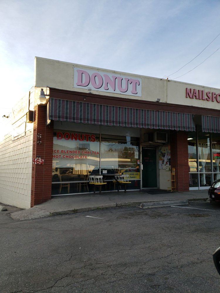 Donuts and More: 465 Ventura Ave, Oak View, CA