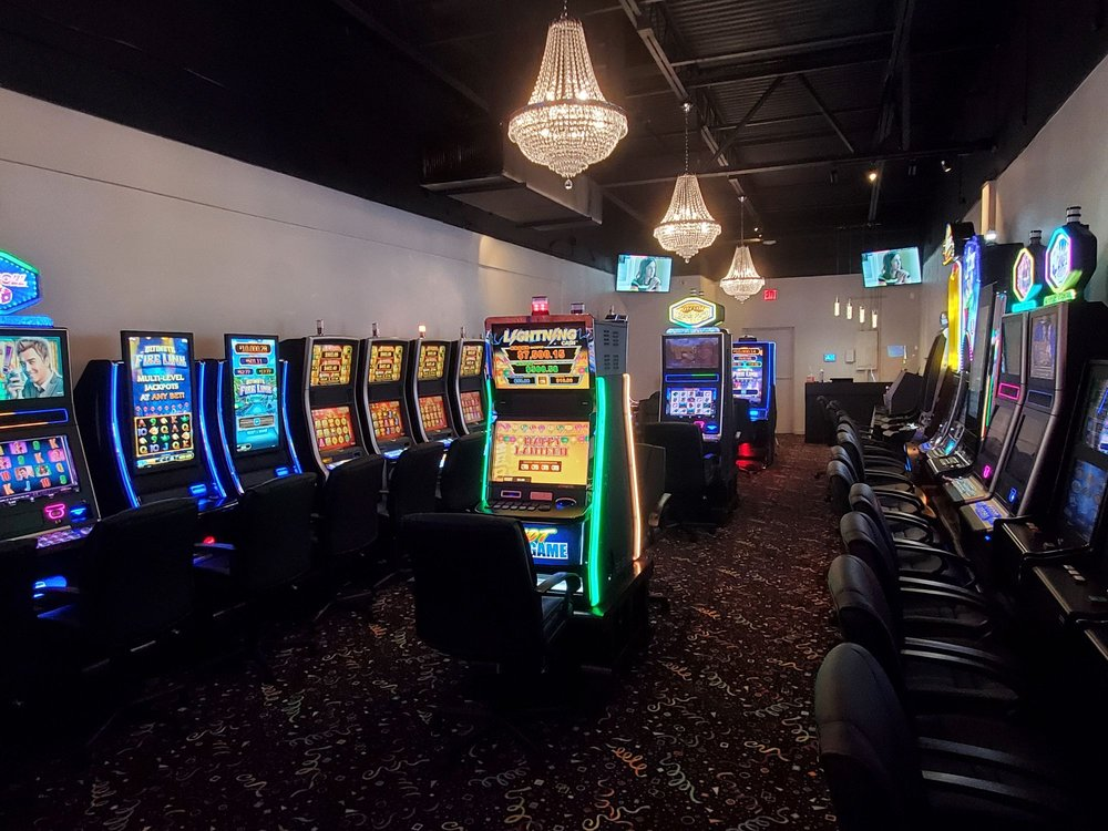 Venetian Arcade: 12100 Us Hwy, North Palm Beach, FL