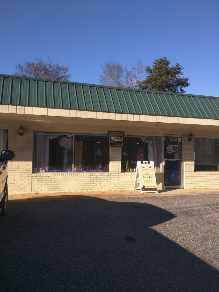 Comfi-Fit Alterations & More: 1232 Mecklenburg Hwy, Mooresville, NC