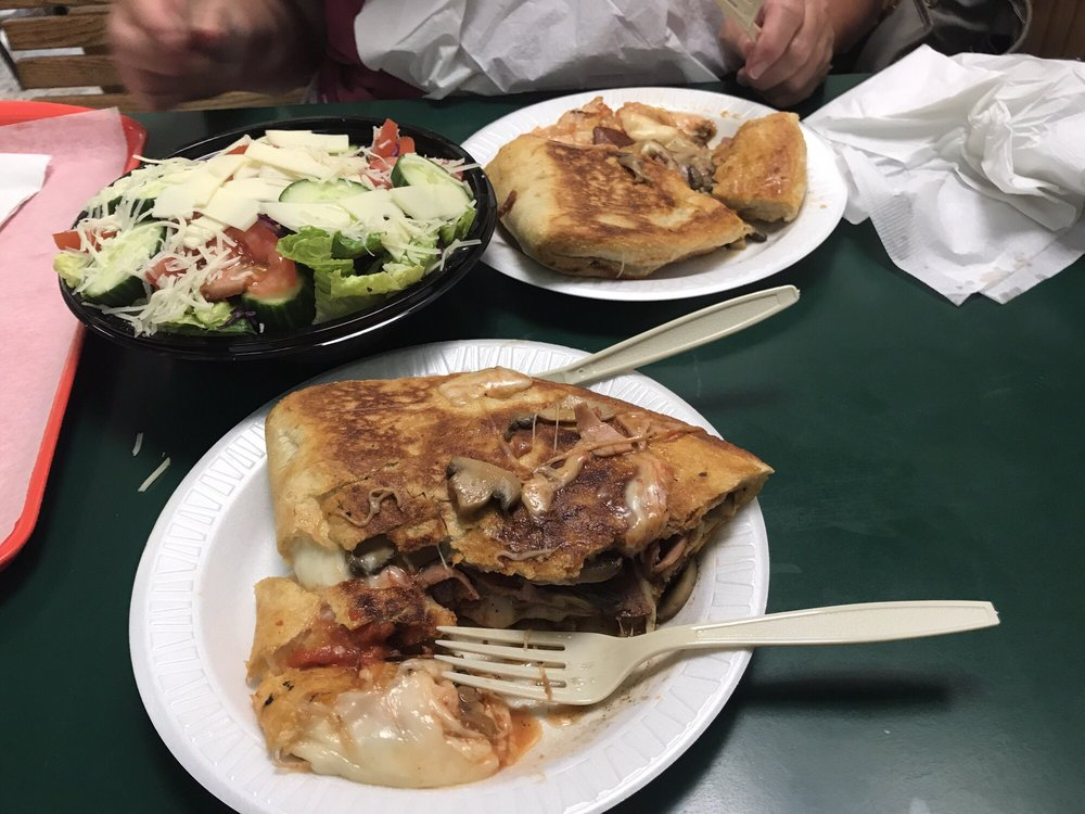 Tommy's Pizza: 101 Mill, Shepherdstown, WV