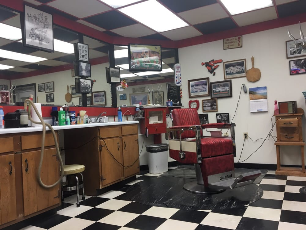 Windsor Barber Shop: 111 S George St, Cumberland, MD