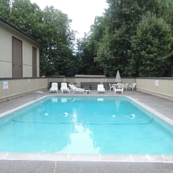 Rolling Green Apartments - Apartments - 2380 NW Rolling Green Dr ...