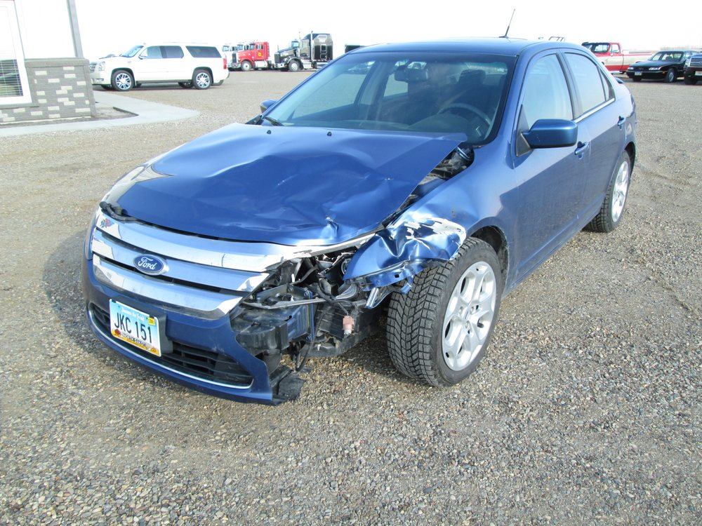 Finest Auto Body & Glass: 9198 Hwy 1 S, Langdon, ND