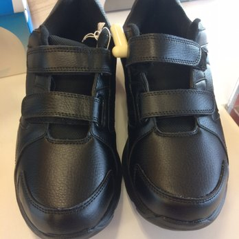 d8cc588db48 Payless ShoeSource - CLOSED - Shoe Stores - 755 NW Gilman Blvd ...
