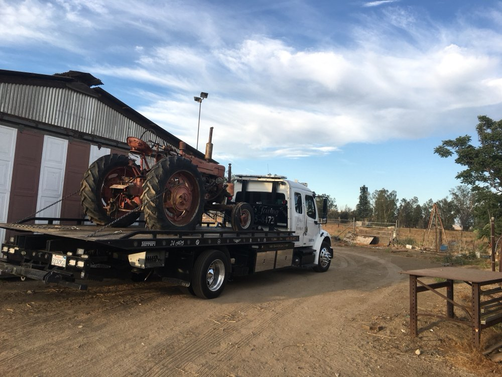 Rocky's Towing: 31035 Lakeview Ave E, Nuevo, CA