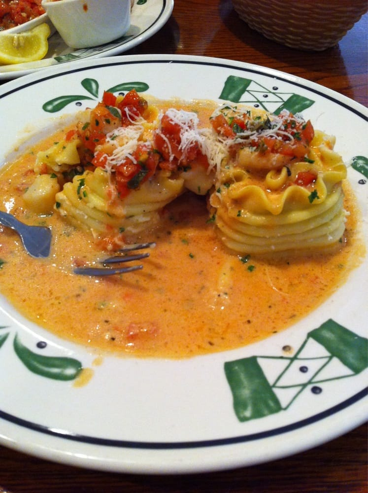 Sicilian Seafood Lasagna Rollata Yummy Shrimp And Scallops Yelp
