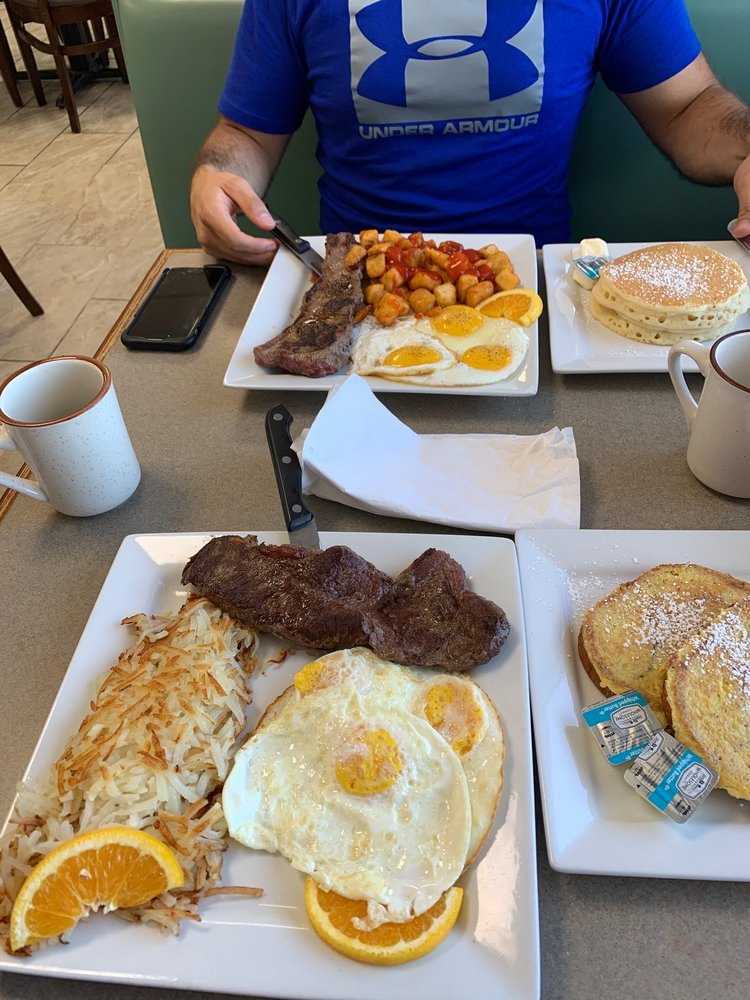 TASTY CAFE: 209 E Le Claire Rd, Eldridge, IA