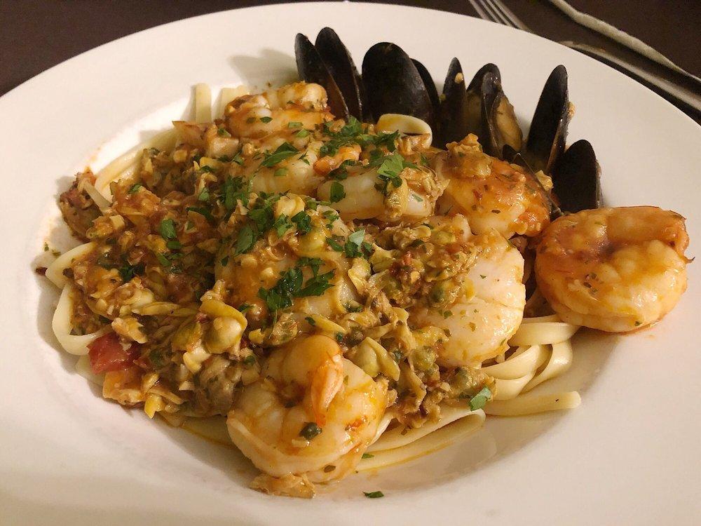DaVinci Little Italian Restaurant: 500 Novadel Way, Hopkinsville, KY