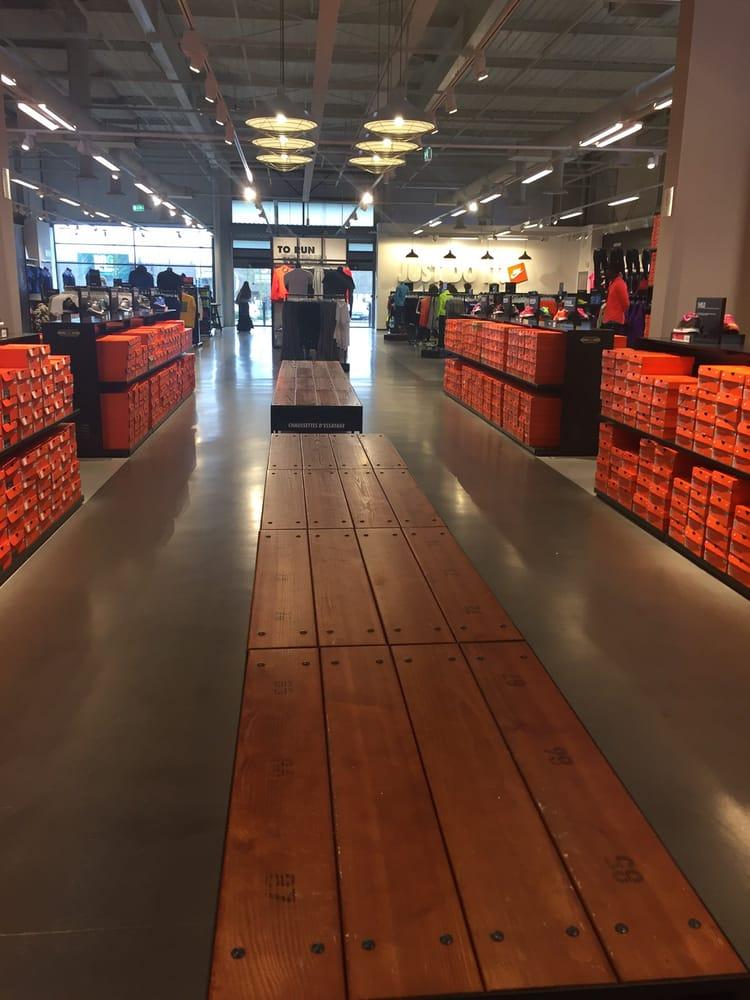 Nike De Rue Stores Factory Lille Shoe Vague La Store 40 rxqBrRP