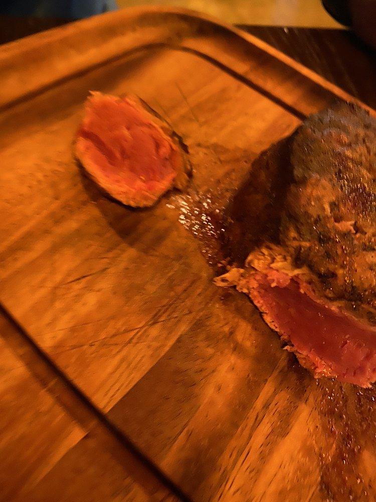 The Tree Restaurant Bar & Grill: 434 N Lhs Dr, Lumberton, TX