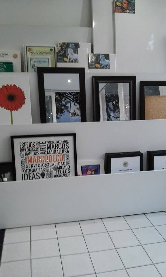 Marcos y cuadros en venta en el local de Marco Deco - Yelp