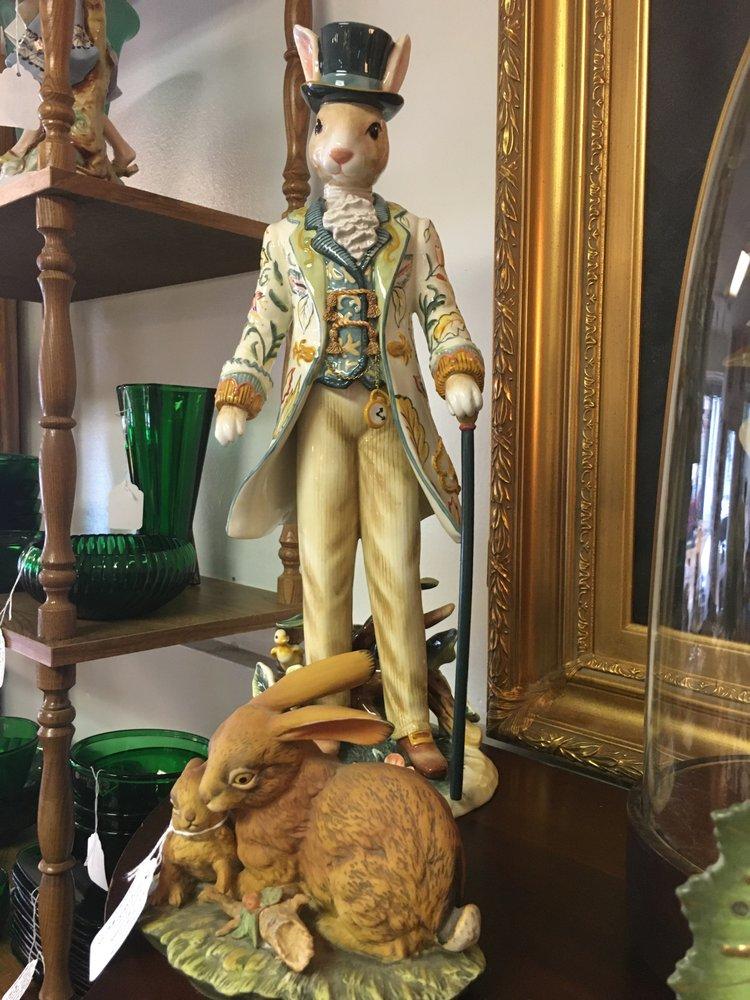 Prince Collectables & Antiques: 112 North Commerce St, Natchez, MS