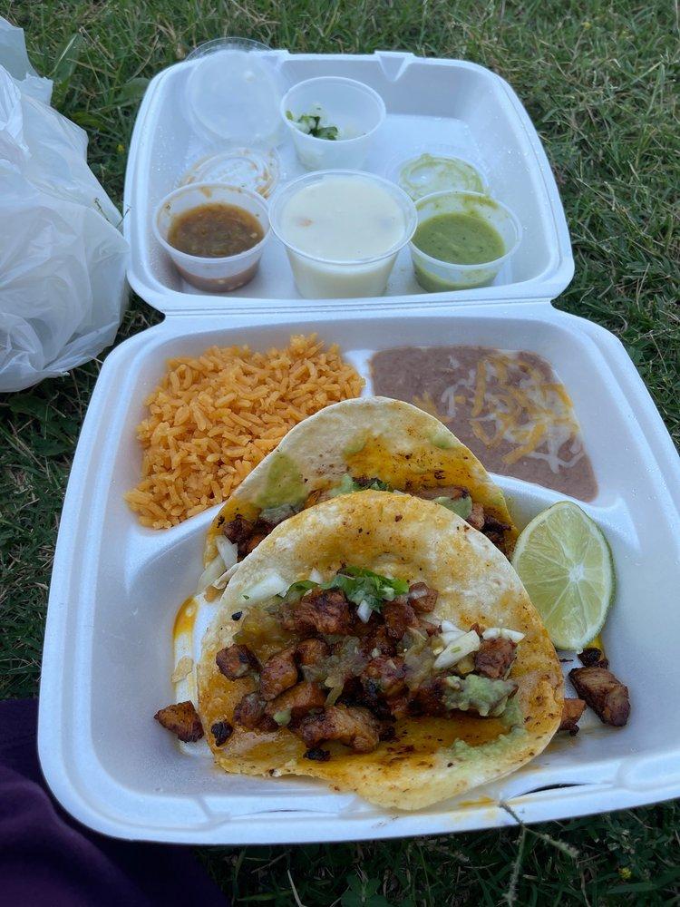 El Poko Loko Mexican Cafe: 301 S 19th St, Clinton, OK