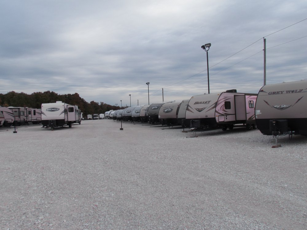 47 West Trailers: 26 Dream Holw, Troy, MO
