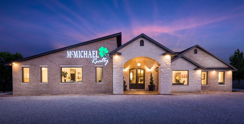 McMichael Realty: 369 S Summit Dr, Holts Summit, MO
