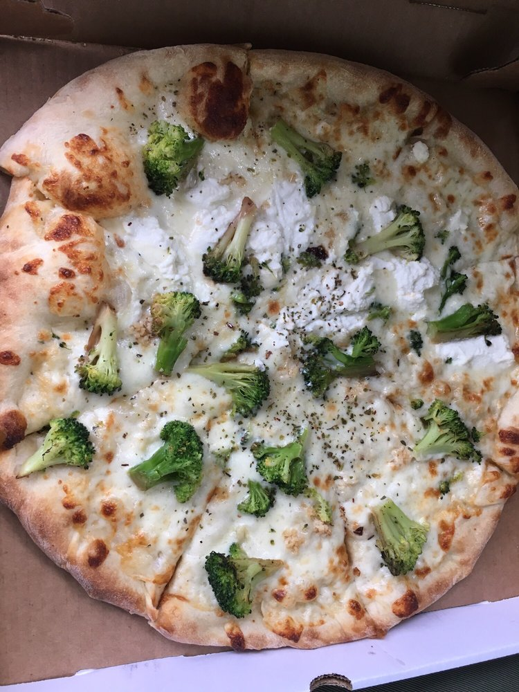 Carini's Italian Restaurant: 4204 Division Hwy, Blue Ball, PA