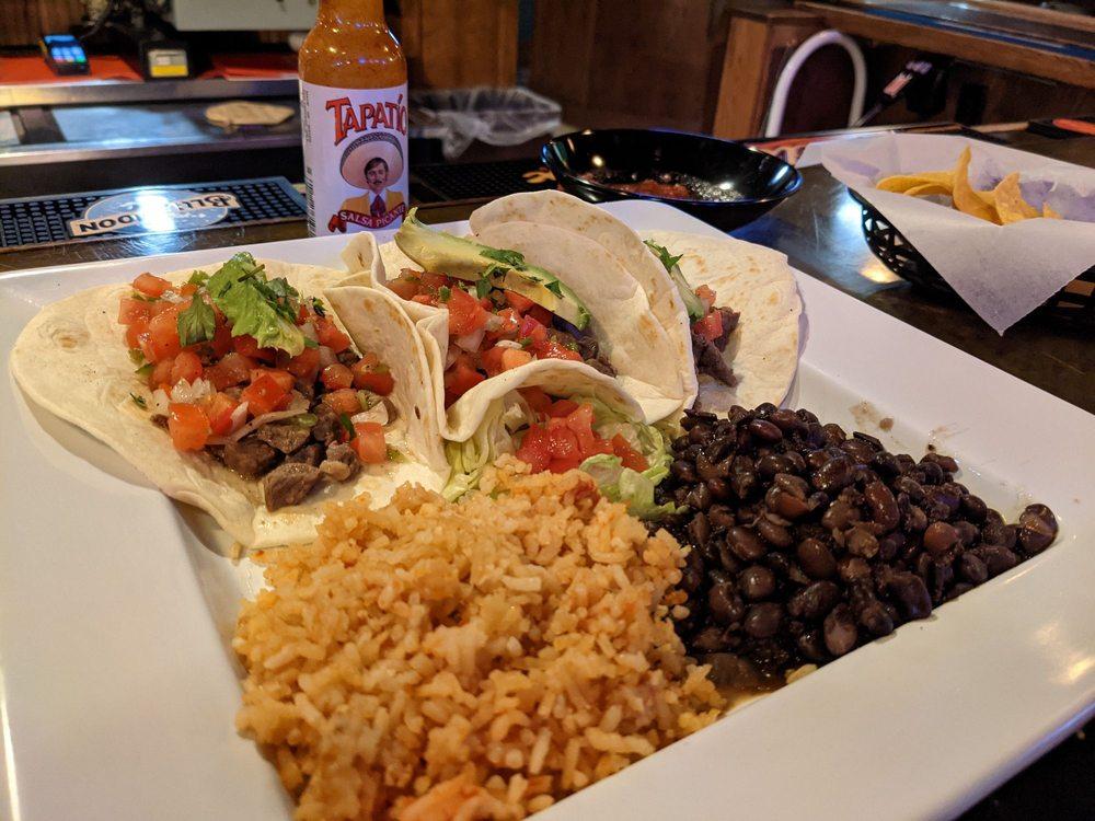 Vaqueros Restaurant: 106 N Wibaux St, Wibaux, MT