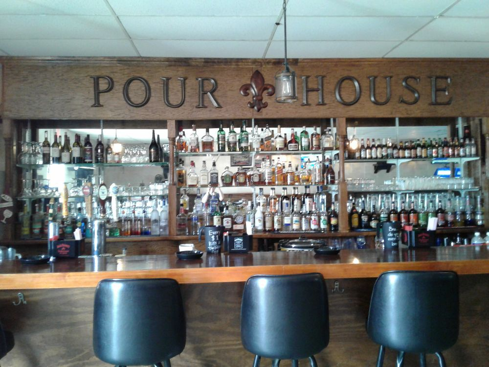 The Pour House: 12087 Lake Charles Hwy, Leesville, LA