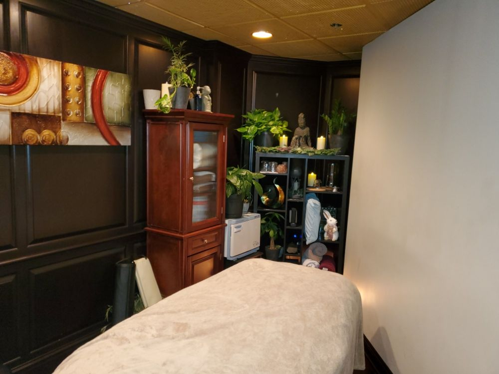Carter's Healing Touch: 50 Burr Ridge Pkwy, Burr Ridge, IL