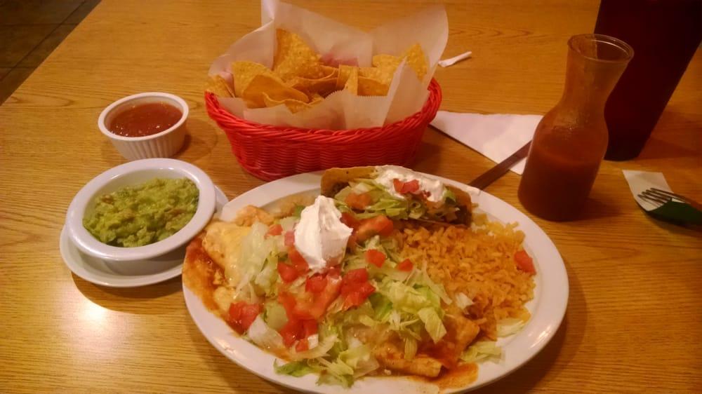 El Pueblito Mexican Restaurant: 24 Eagle Pkwy, Adairsville, GA