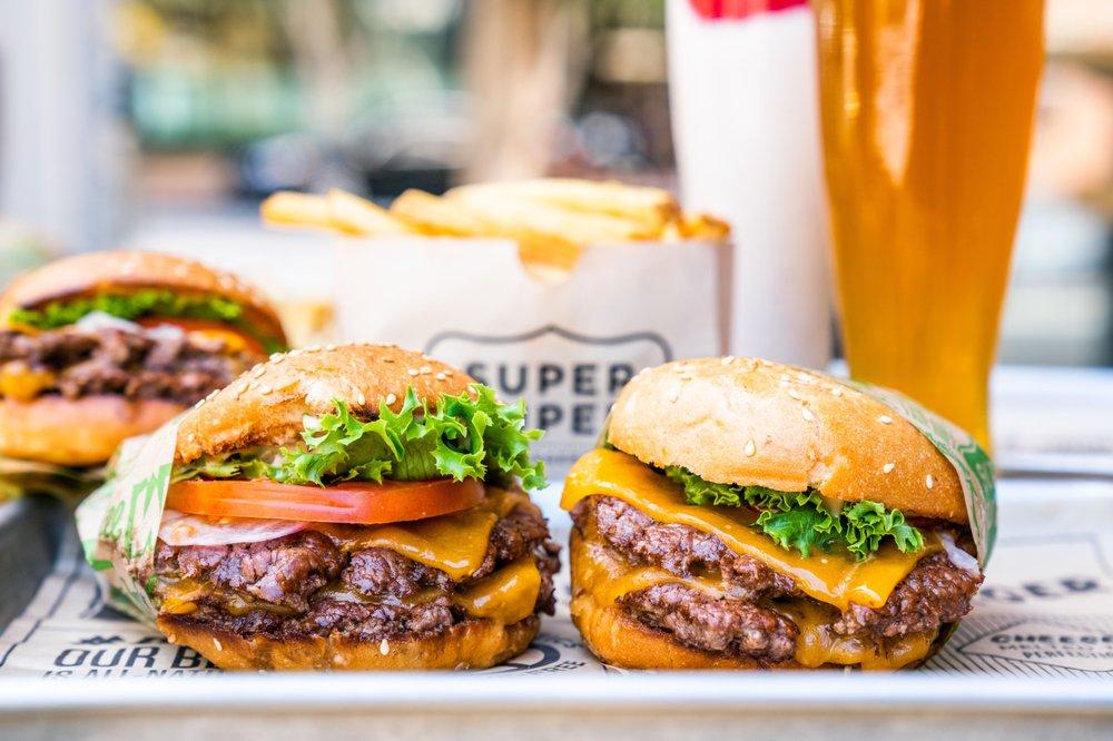 Super Duper Burgers: 5959 Shellmound St, Emeryville, CA