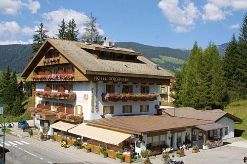 Hotel dolomiten hotel via alemagna 3 dobbiaco for Hotel numero 3