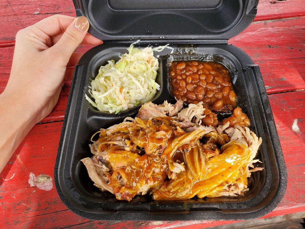 Malson's BBQ: 1330 Boone Ave, Kingsland, GA