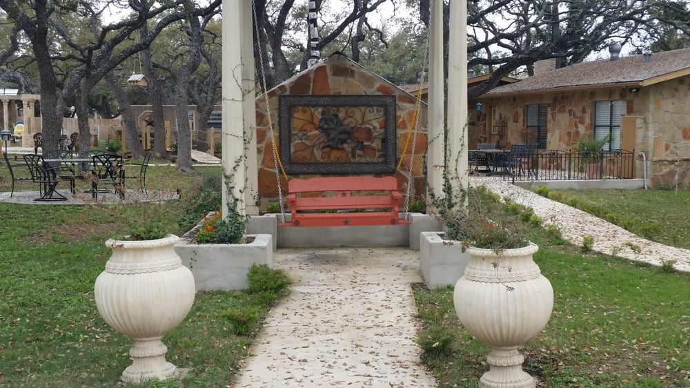 Enchanted Oaks Bed and Breakfast