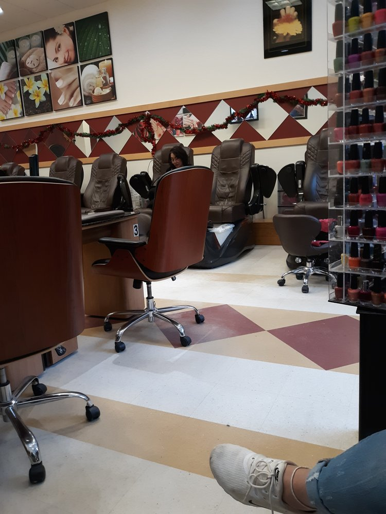 Model Nail: 4800 Golf Rd, Eau Claire, WI