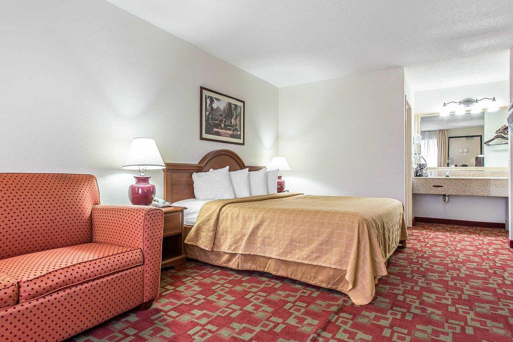 Quality Inn: 821 South Memorial Drive, Greenville, NC