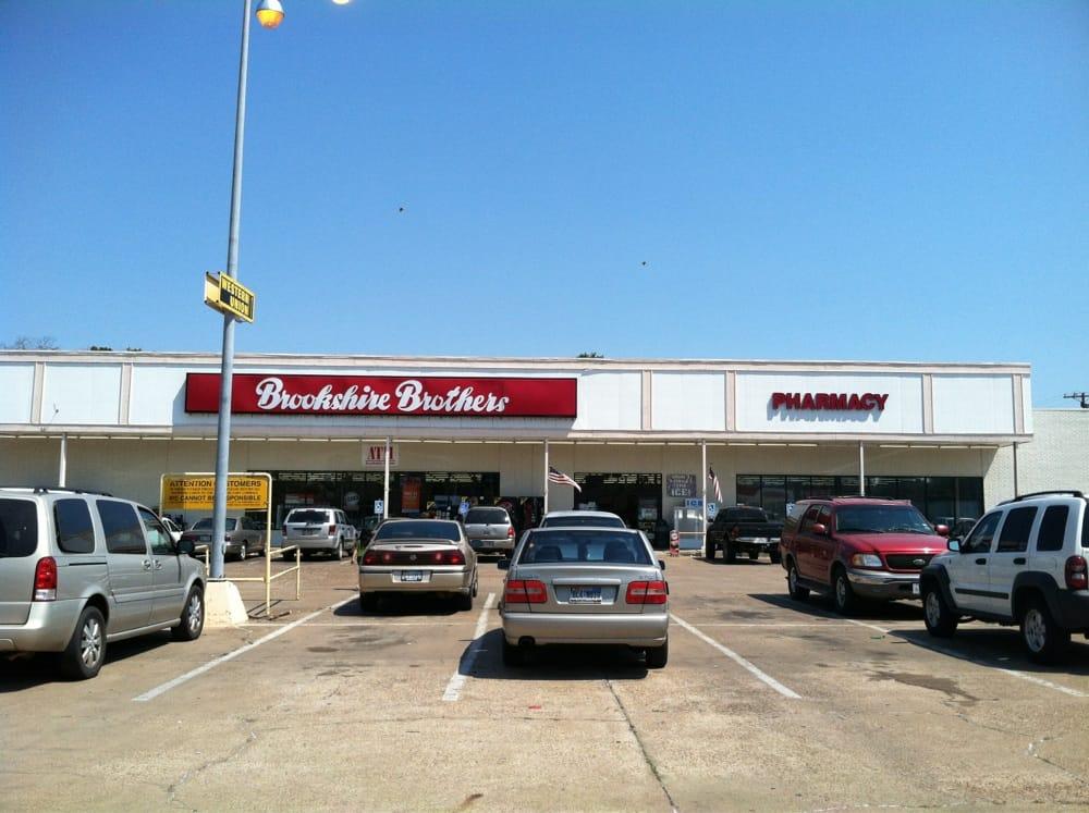 Brookshire Brothers: 401 N 4th St, Crockett, TX