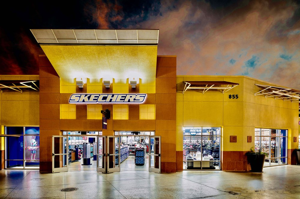 SKECHERS Factory Outlet: 241 Fort Evans Rd NE, Leesburg, VA
