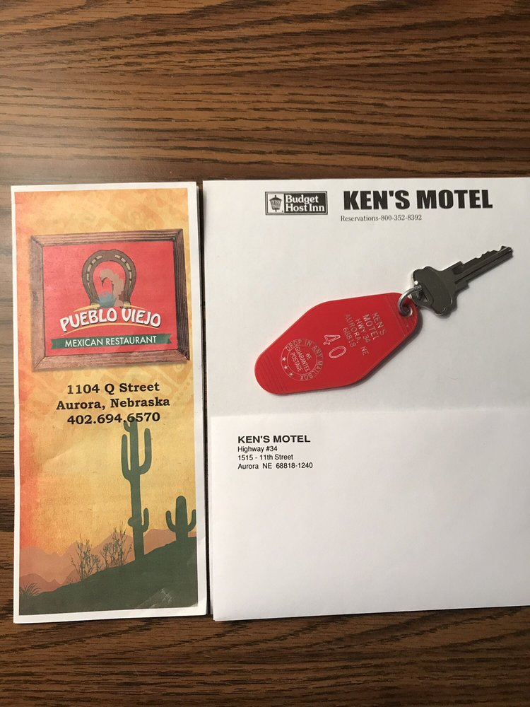 Budget Host Ken's Motel: 1515 11th St, Aurora, NE