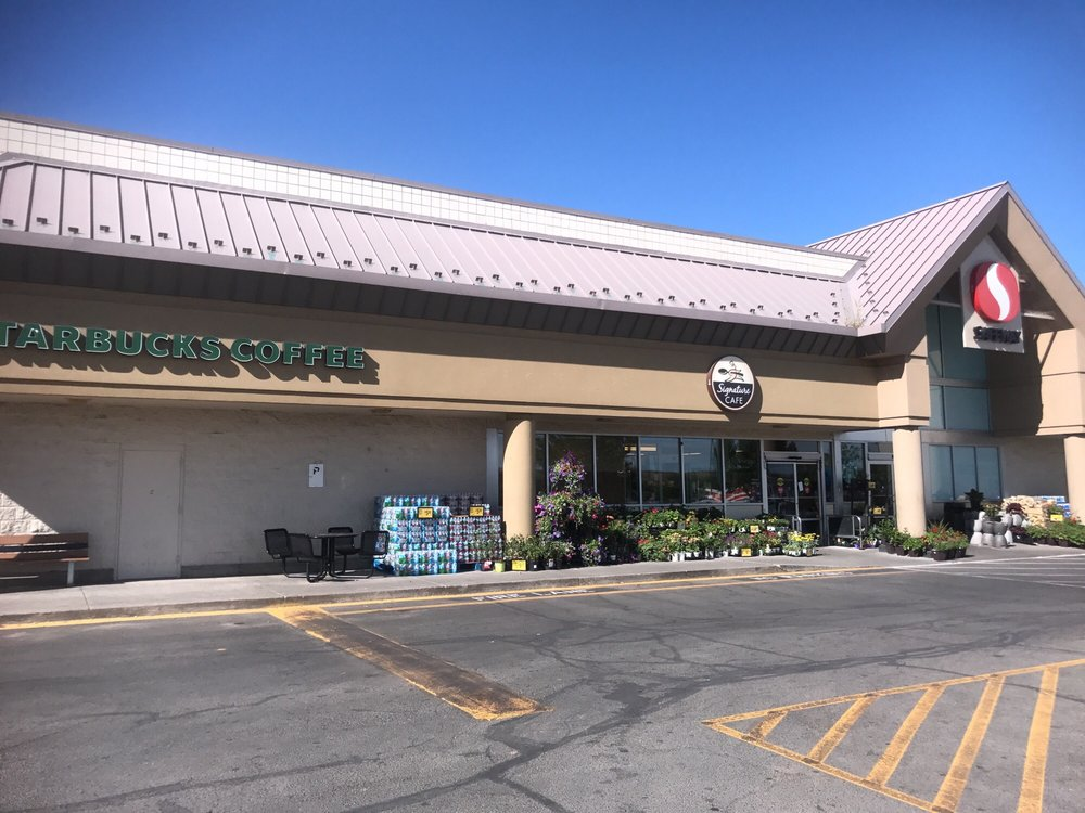 Safeway Food & Drug: 415 N Main Ave, Aztec, NM