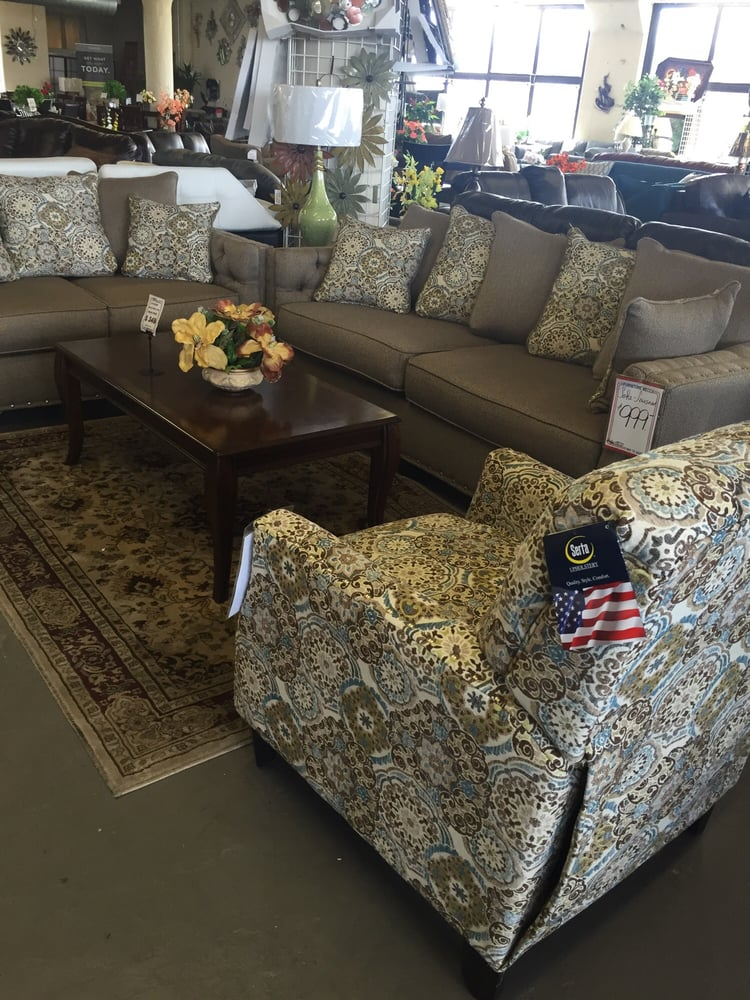 Furniture mecca furniture stores 101 e venango st for Furniture 101