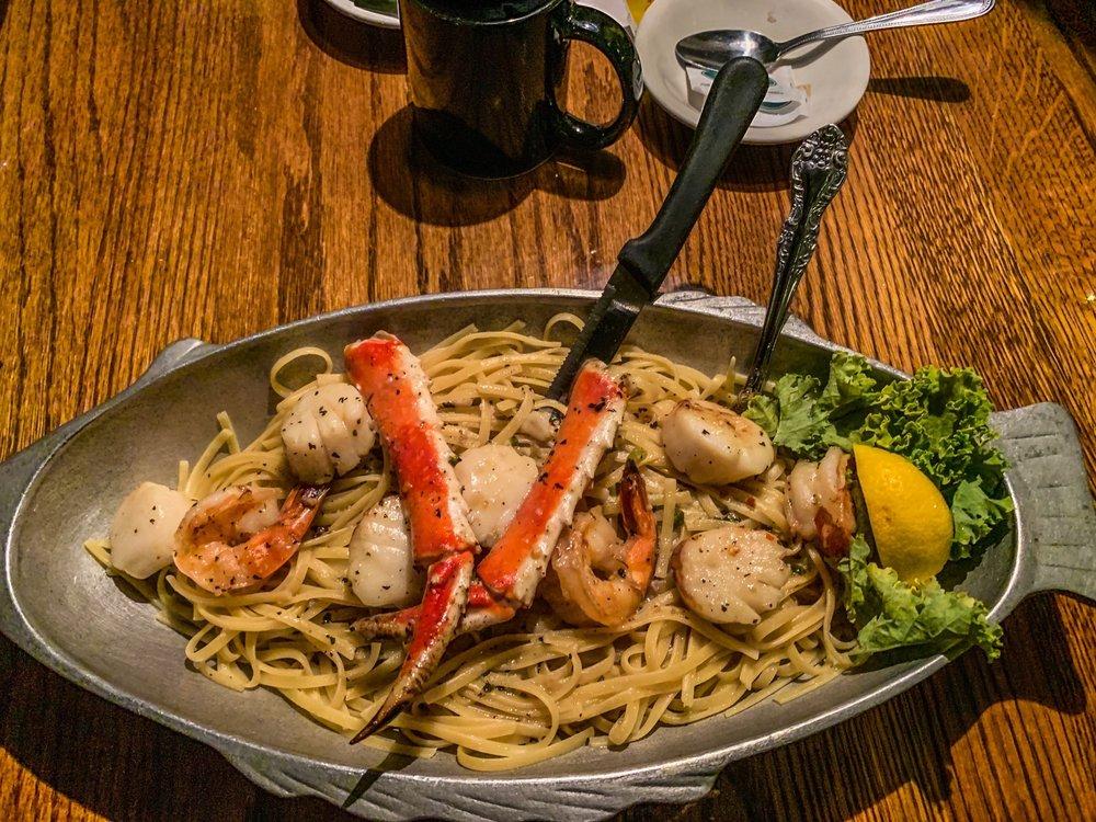 Raindancer Restaurant: 4582 State Hwy 30, Amsterdam, NY
