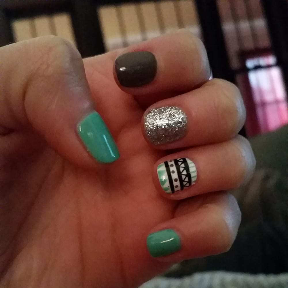 No Chip Nail Polish Reviews: Gel No-Chip Manicure With An Aztec Design, Done By King