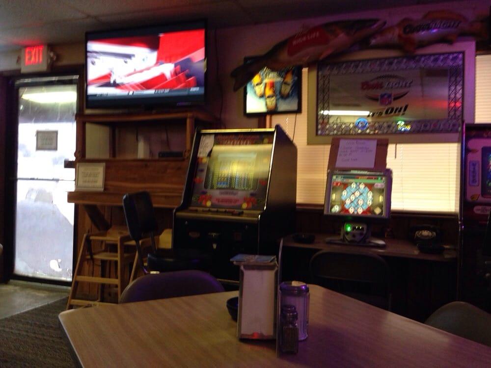 Horseshoe Pub & Pizza: 429 Front St, Comfort, TX