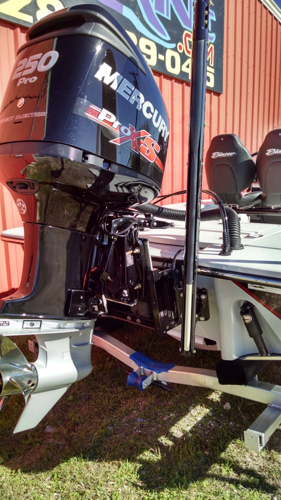This 2016 Blazer Bay 675 Ultimate has the Mercury 250 Pro XS