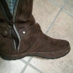 Johns Shoe Repair Lansing
